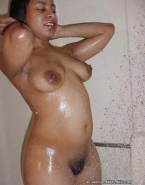 Naked black hairy girl in the bathroom for